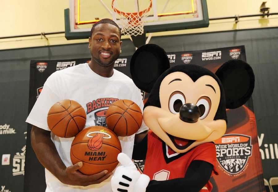 16) Dwyane Wade: $12,638,000 salary/winnings, $12,000,000 endorsements, $24,638,000 total
