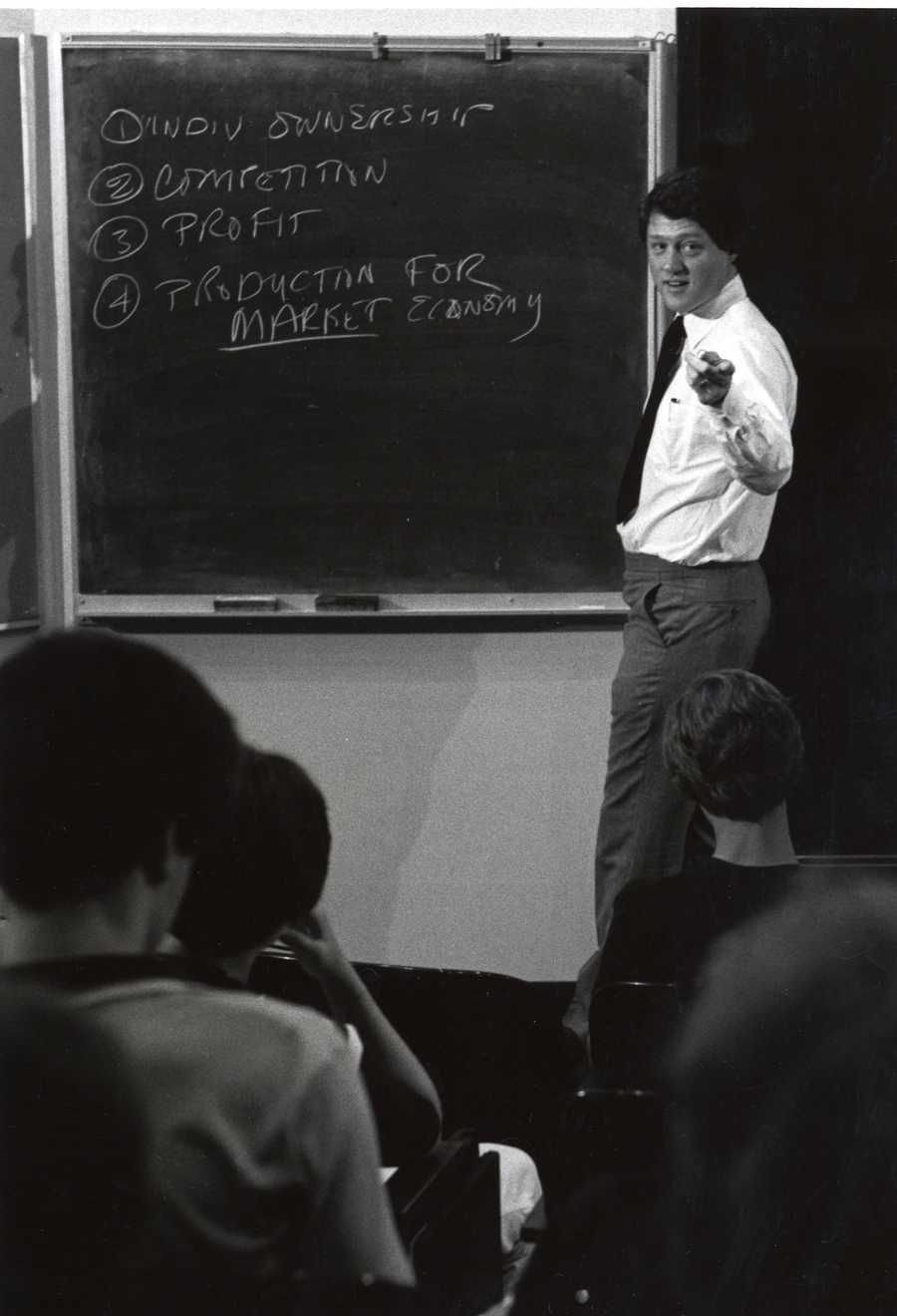 Bill Clinton teaching