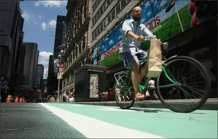 10. New York CityNew Yorkers spend $1,614.71 per year on car insurance - $500 more than the national average. They also spend 59 hours a year in traffic delays. However, the city's extensive rail system, bike sharing and other amenities help take the pressure off the already-jammed roads.