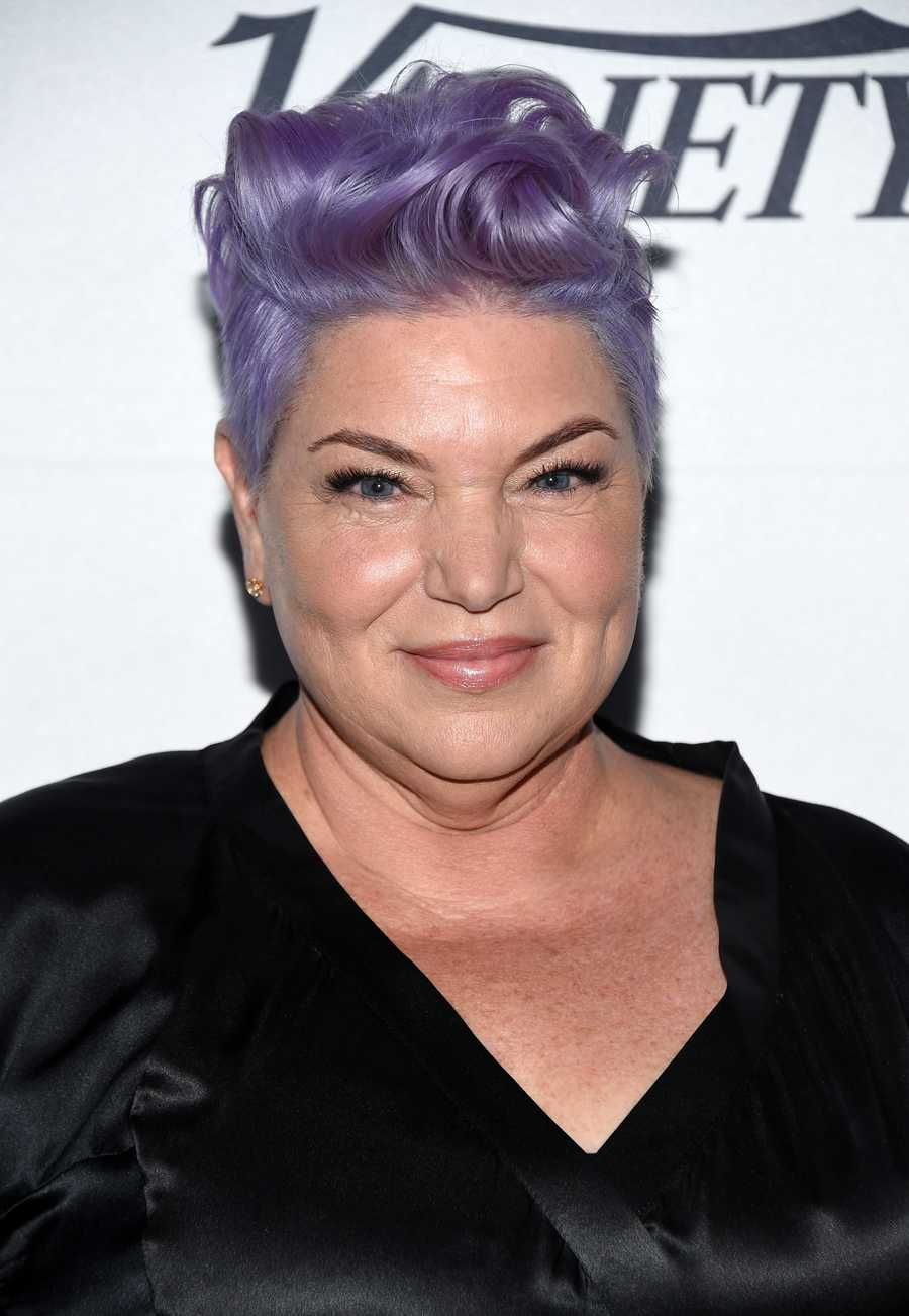 NOW: Mindy CohnNow 49, Cohn's now rocking some cool purple hair. If you're wondering why you haven't seen her on the small screen for a while, it's because she's doing work behind-the-scenes. Since 2002, Cohn has voiced Velma Dinkley for the Scooby Doo franchise.