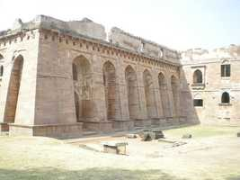 Once the capital city of a northern Indian Muslim state, Mandu has been abandoned for over 400 years.