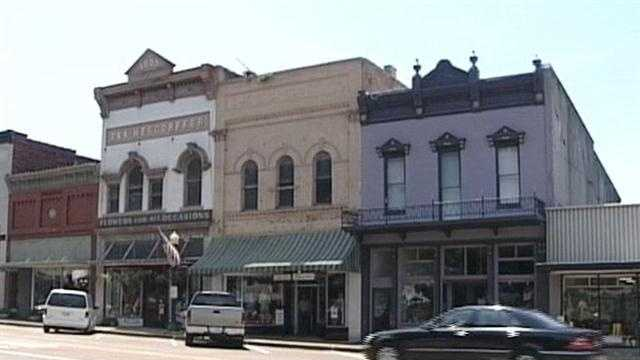 Hollywood returns to Mississippi.  Crews will start work on a new film in Madison County.