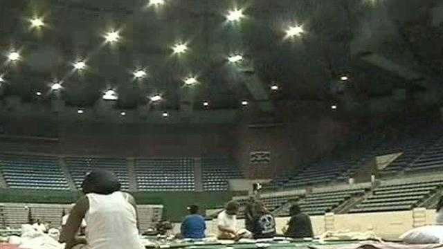 Isaac evacuees ride out storm at Mississippi Coliseum