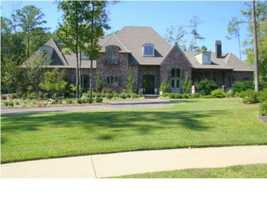 Take a look at this 7 bedroom, 7 bath waterfront property in Floxwood, MS featured on realtor.com