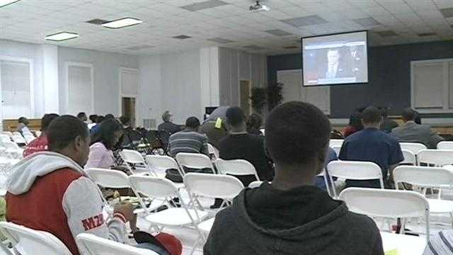 College students gather to watch presidential debate