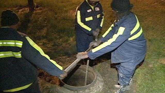 Jackson crews working to fix a water main break