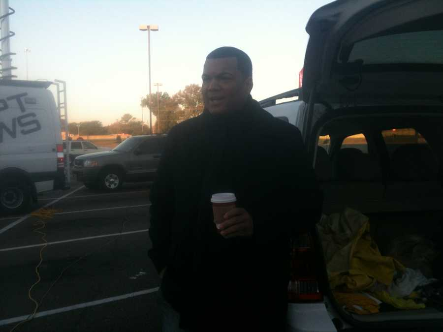16 WAPT's Andrew Kinsey helps out at Turkey Drive 16.