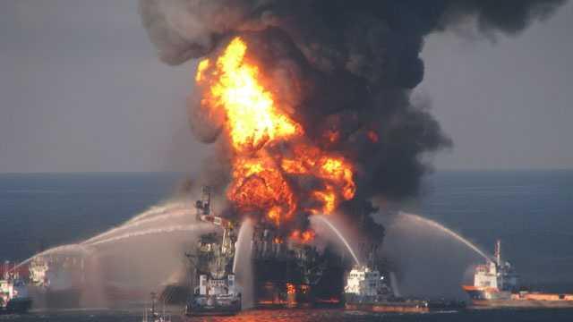 BP oil spill, Deepwater Horizon fire