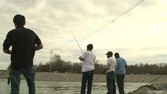 16 WAPT's Joshua Jackson explains how the weather has been affecting hunters and fishers.