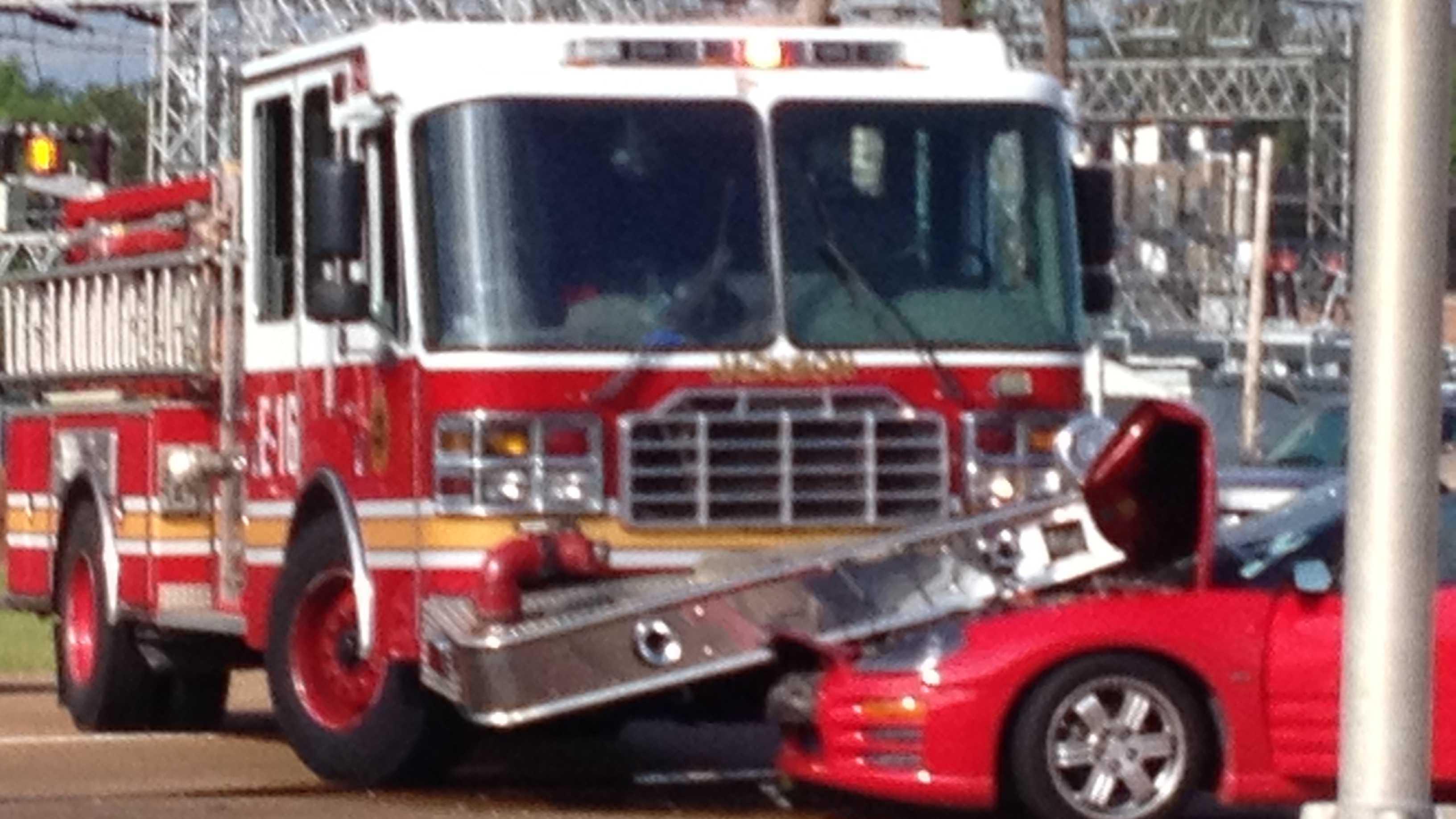 fire truck wreck 2.JPG