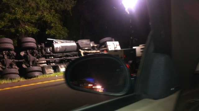 Gas tanker in ditch off I-55-img