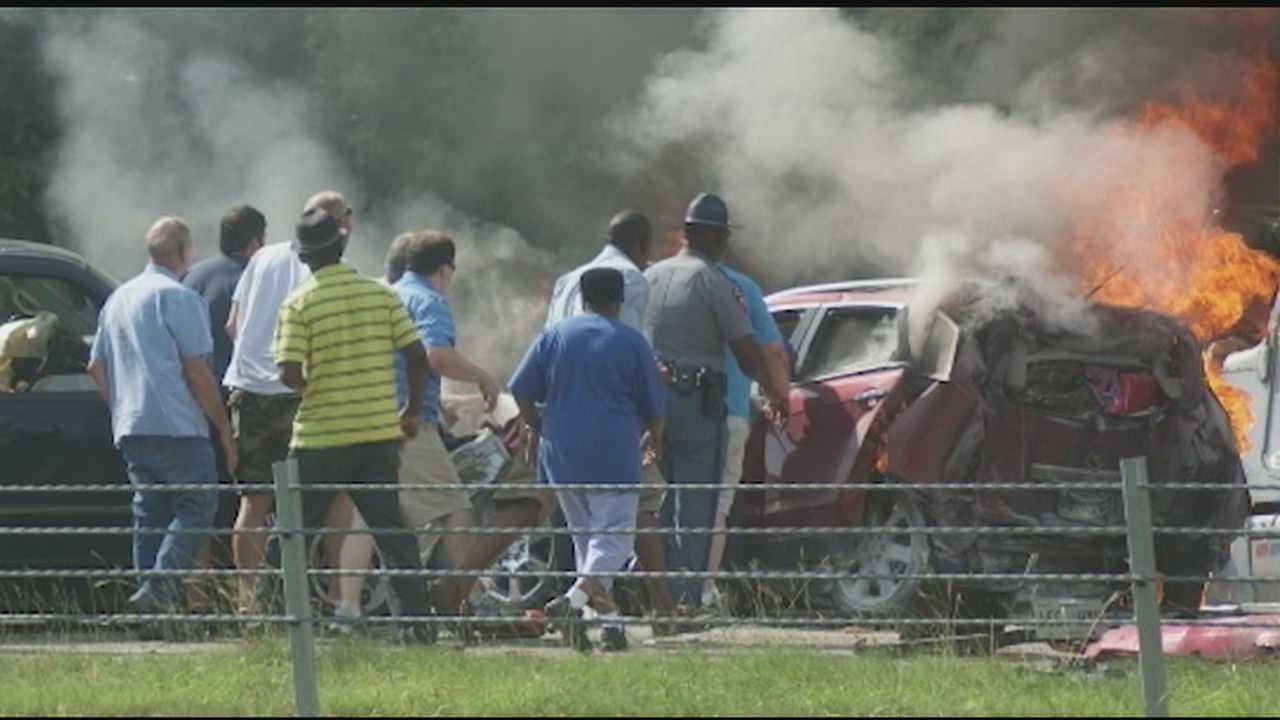 Crash kills 1 on I-20