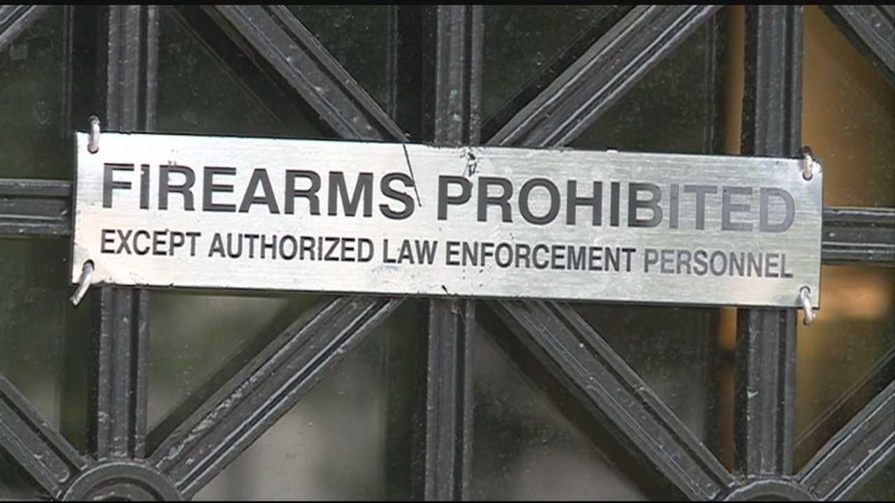 Judge blocks open-carry law