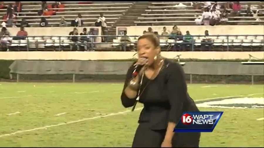 Gospel singer Kierra Sheard performed during the show.