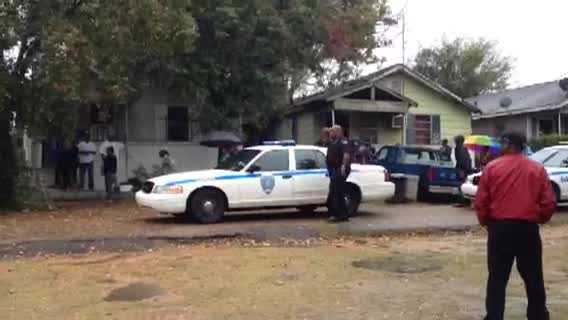 A fourth body is found in a second house on Moon Street.