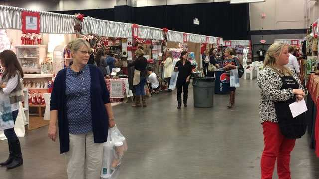 Mistletoe Marketplace shoppers