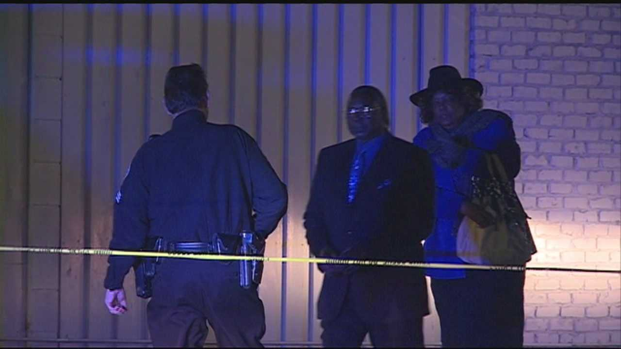 One-man shot in the back in what witnesses call a family-fight.