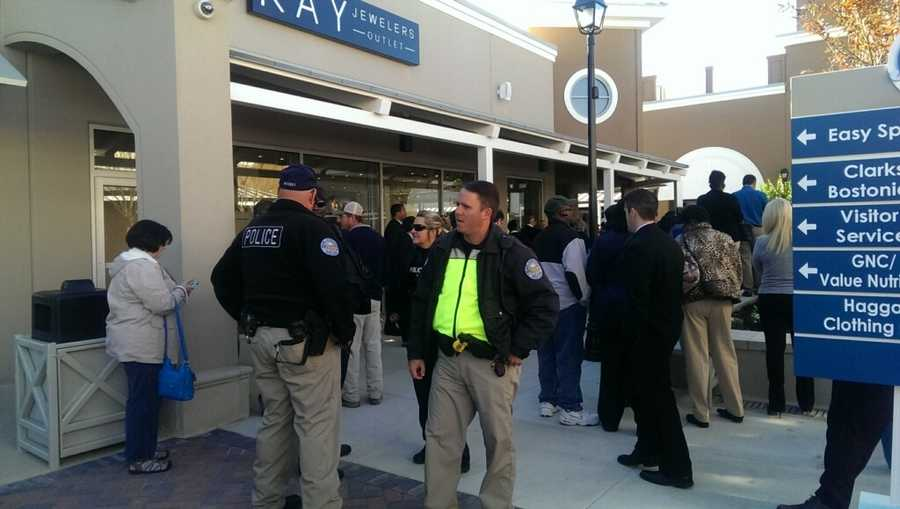 Large crowds formed Thursday morning for the grand opening of the Outlets of Mississippi in Pearl.