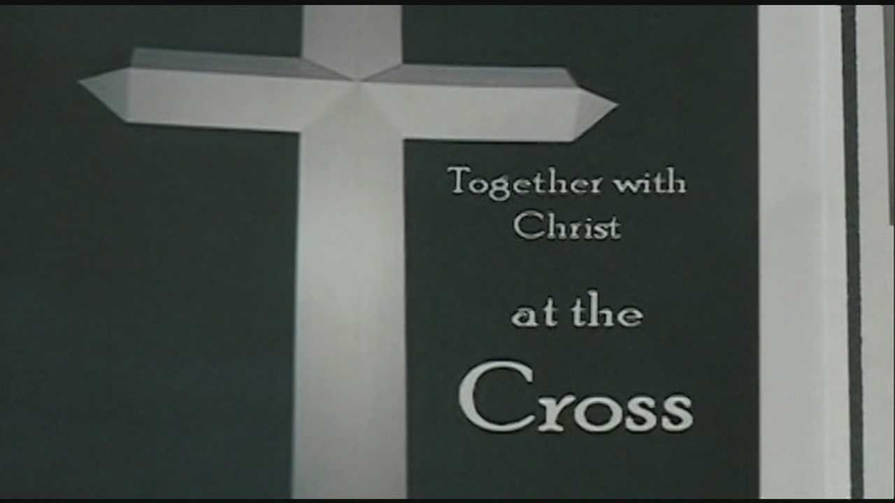Florence Board of aldermen voted unanimously to Allow the cross after a huge public outcry.