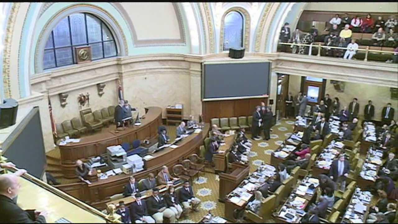 img-2014 Legislative session begins