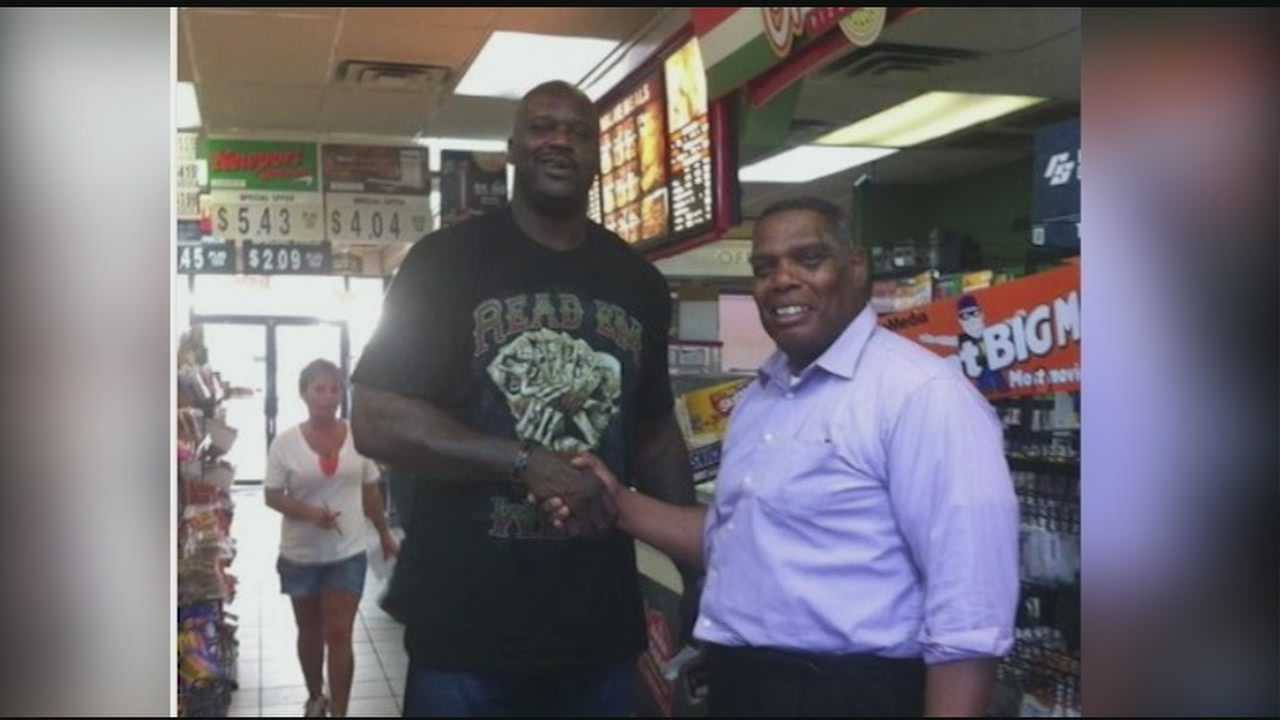 Former NBA player Shaquille O'Neal was spotted in a Mississippi gas station.