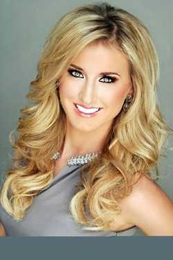 Miss New South Ivey Millicent Swan. The Hattiesburg native attends University of Mississippi.