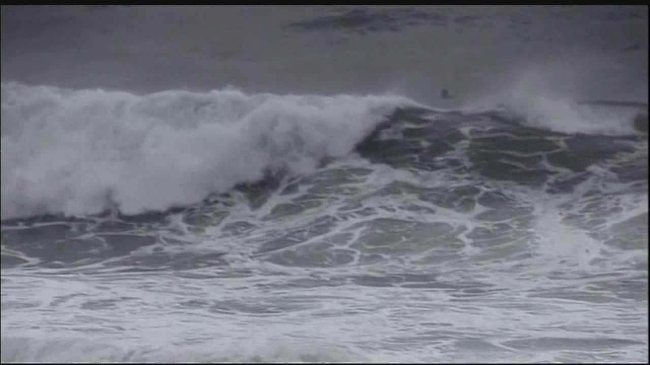 Hawaii storm waves