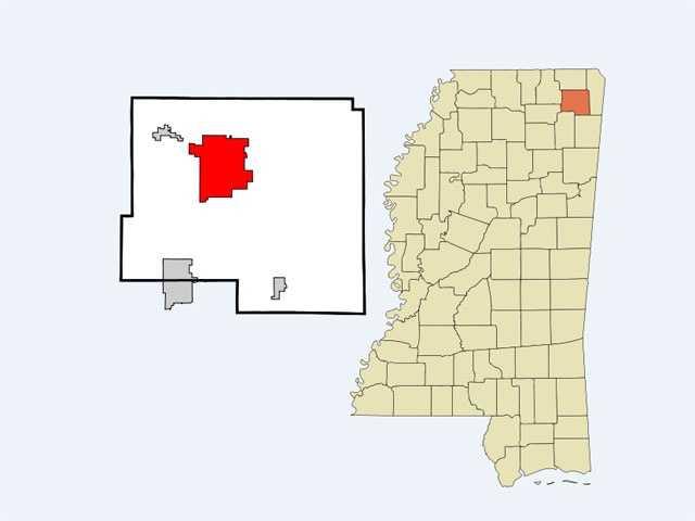 13. BoonevillePopulation: 9,000&#x3B; Violent crimes per 1000: 2.4&#x3B; Property crimes per 1000: 24.13&#x3B; Safer than 30 percent of U.S. cities.