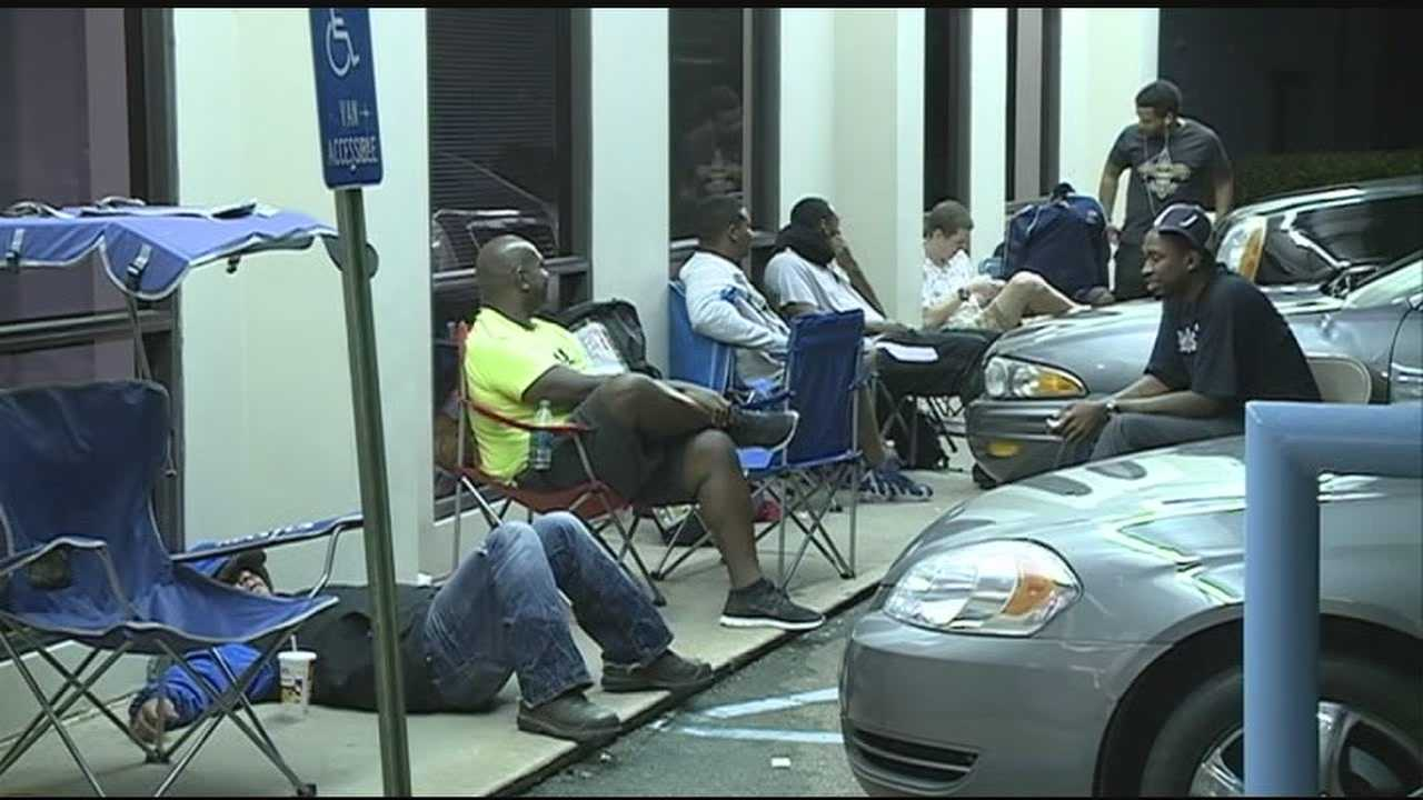 People lined up early at the AT&T store in Ridgeland to buy the new iPhone 6 that hit store shelves Friday.