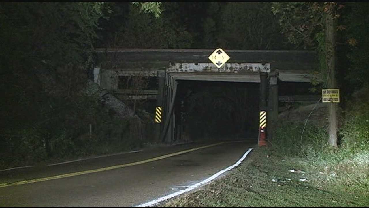A portion of Clinton Boulevard is scheduled to close Monday to replace a railroad bridge in Jackson.