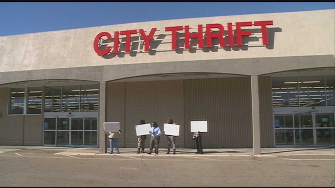 Employees with a thrift store in Jackson say they're getting discriminated on the job.