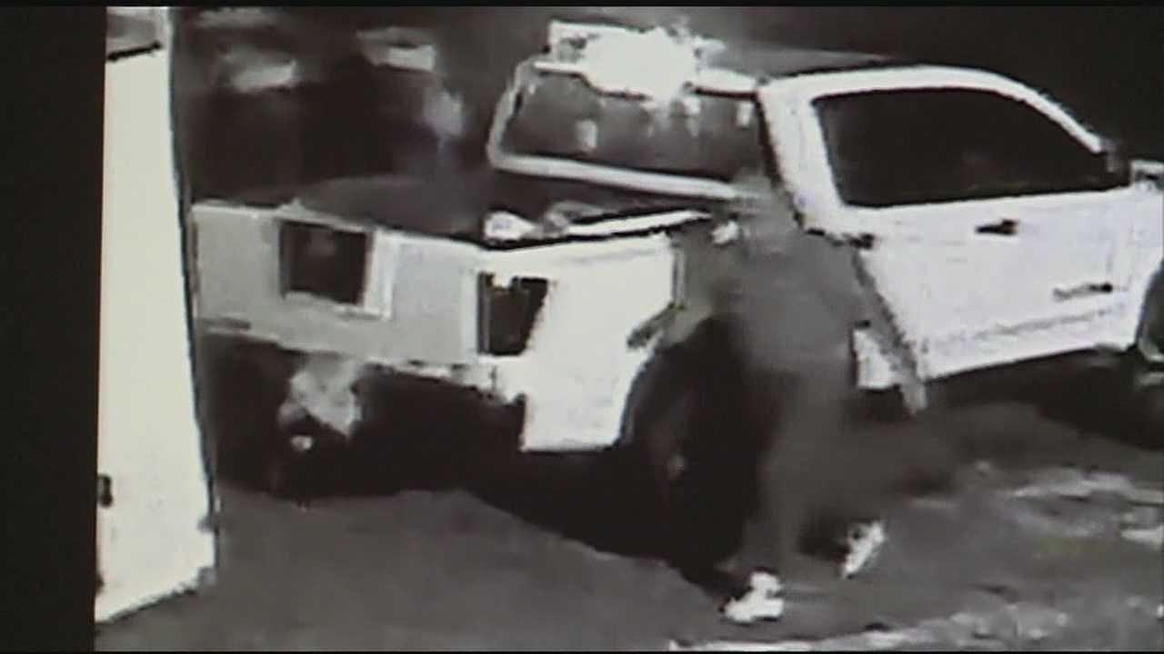 Video catches two mask men stealing trailers in Jackson