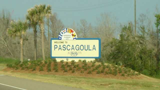 Pascagoula Sign welcomes visitors