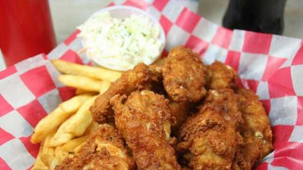 We asked 16 WAPT's Facebook fans what restaurant serves the best fried chicken in Mississippi, and boy, did they respond.
