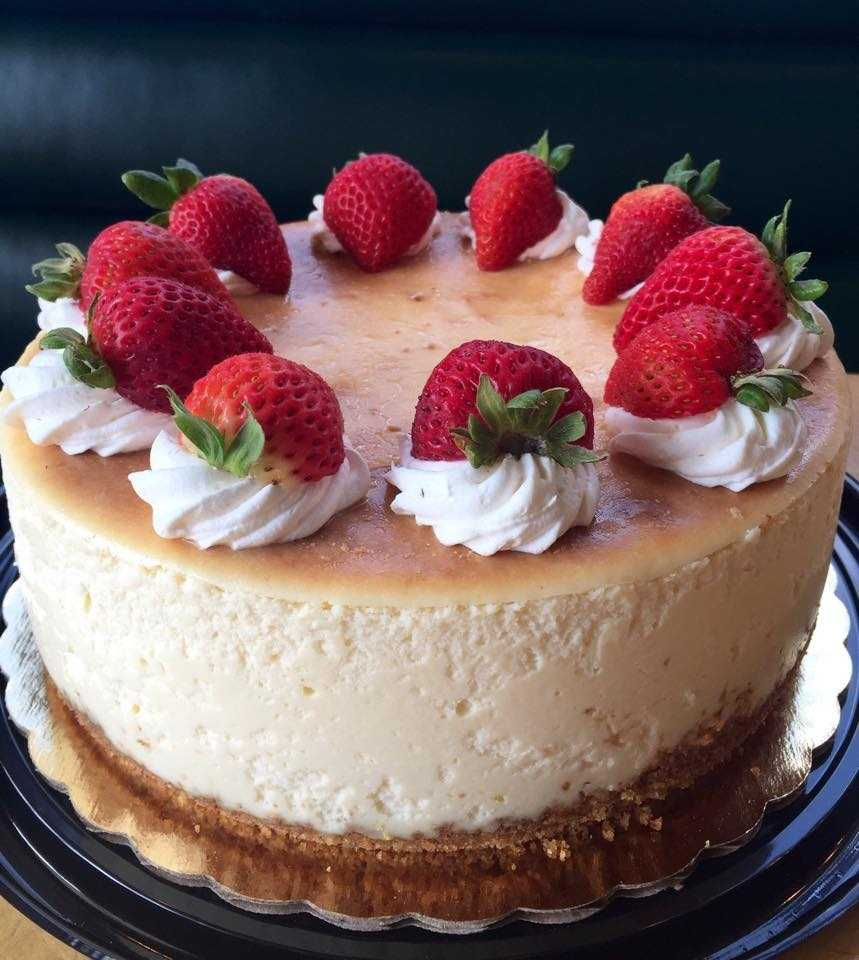"Broad Street Bakery & Cafe in Jackson. Rachel Phuong Le says Broad Street has some ""killer cheesecake."""