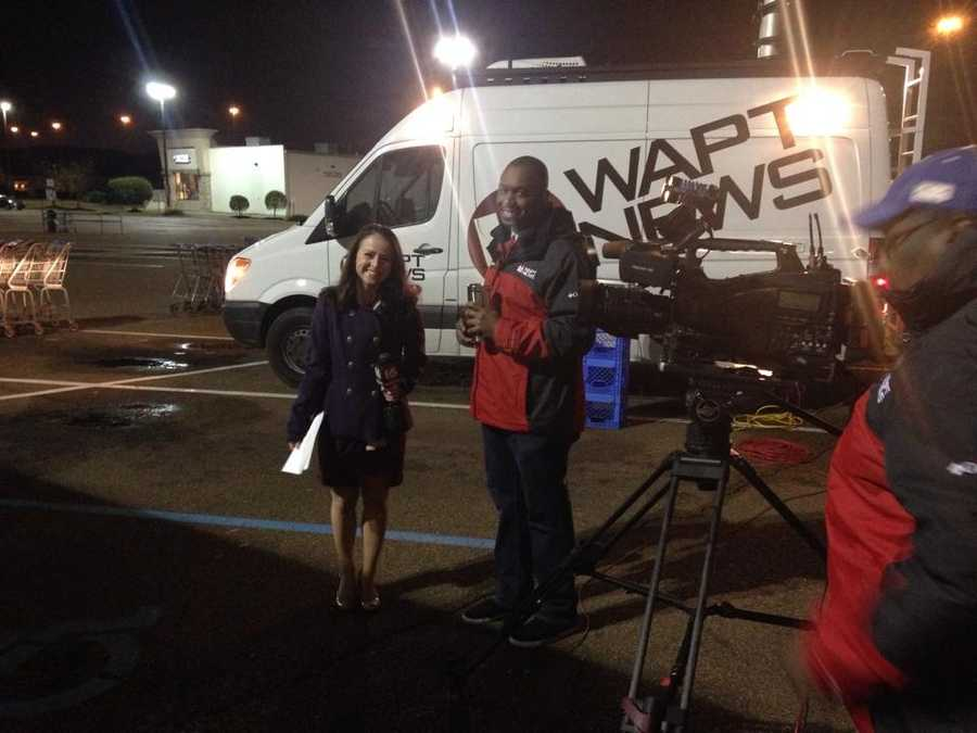 16 WAPT's Hadas Brown, Marcus Hunter and James Foster helped kick off Turkey Drive 16 at Kroger on I-55.