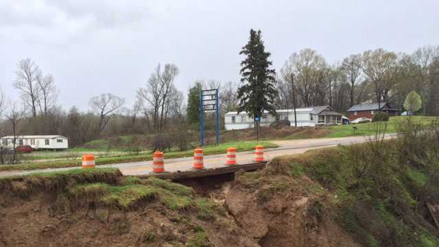 A section of Highway 80 between Vicksburg and Bovina was closed Friday because of a wash-out under the pavement.