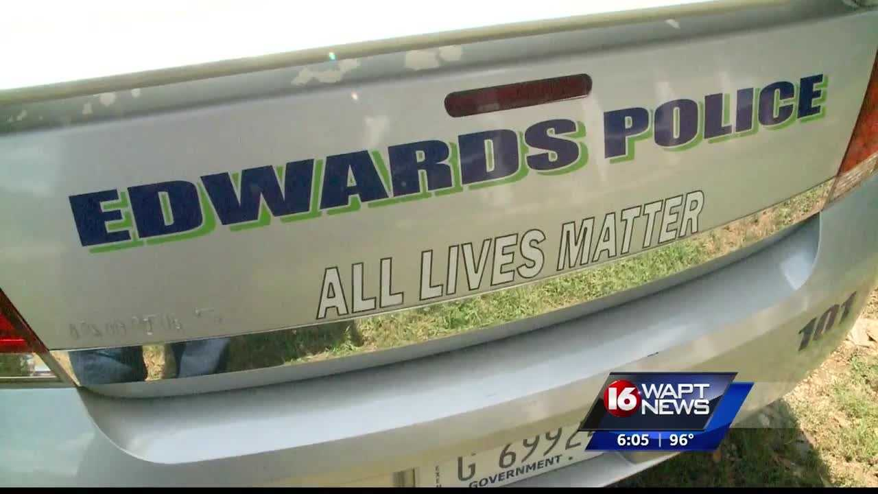 The police chief of Edwards paid with is own money to get 'All Lives Matter'  slogan on his cruisers.