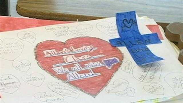 Richland Upper Elementary students create a memory box for the family of 10-year-old Allen Lutrick, who was hit by a car while walking to board a school bus.