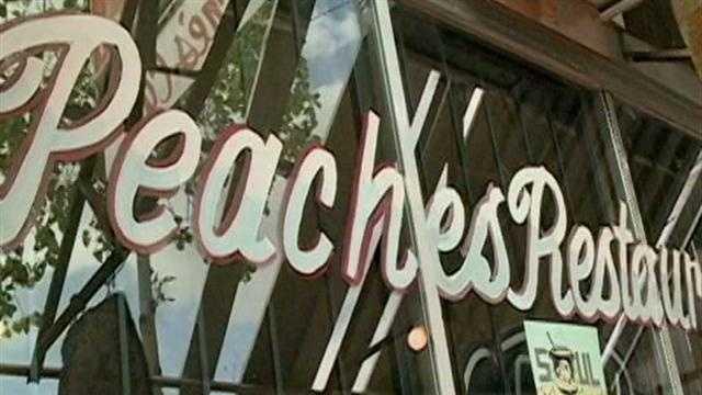 Peaches Restaurant - 29767504