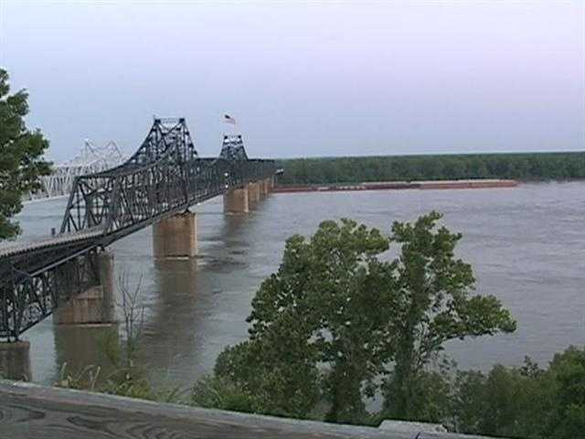 Images: Mississippi River Approaches Record Levels
