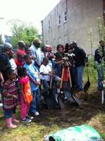Power in Dirt recognizes and builds from existing successful efforts in the city to revitalize vacant lots.