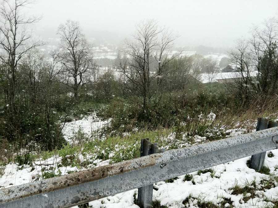 Snow off I-68 in Frostburg