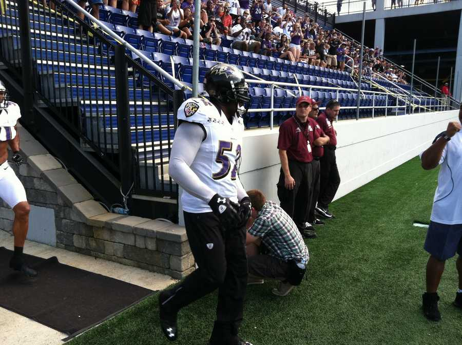 The crowd went wild when Ray Lewis took the field.