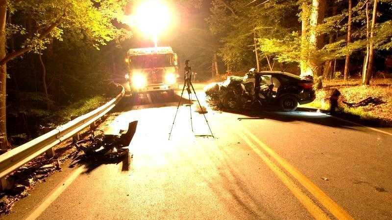 Davidsonville crash kills woman
