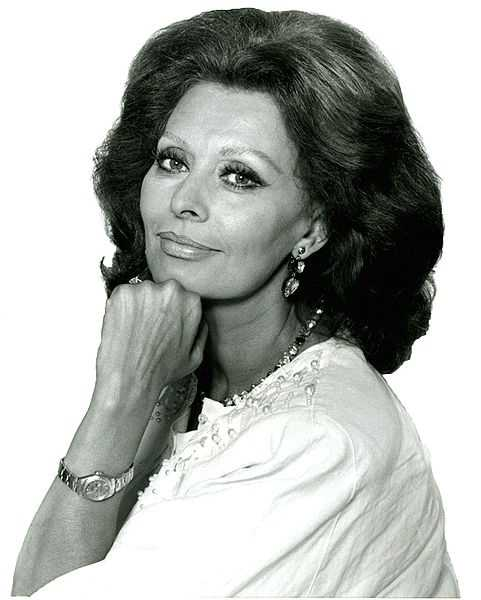 Legendary actress Sophia Loren makes 77 look great on September 20.