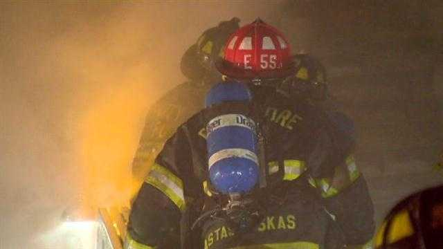 A firefighter injured and five others were injured in an intense fire that burned for hours in south Baltimore early Monday morning.