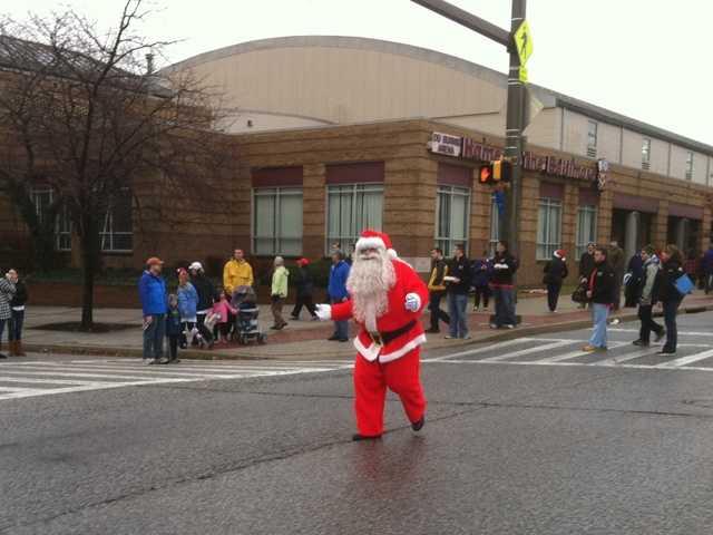 WBAL-TV 11 News reporter Barry Simms catches Santa Claus at the Arthritis Foundation's Jingle Bell Run!