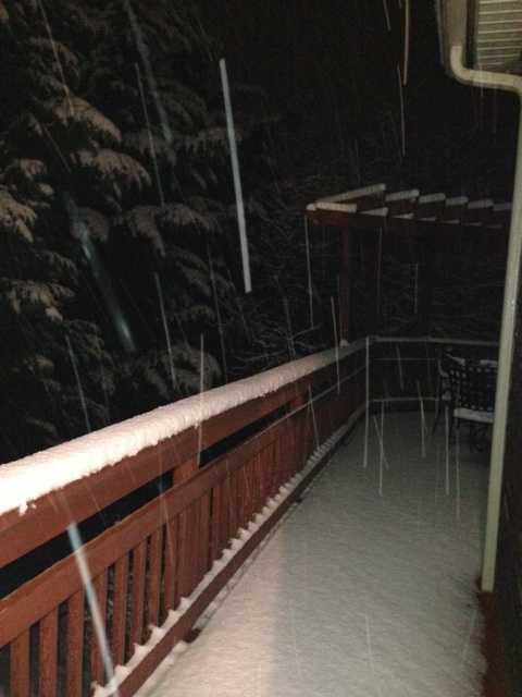 Snow begins to accumulate in Boonsboro before dawn Wednesday.