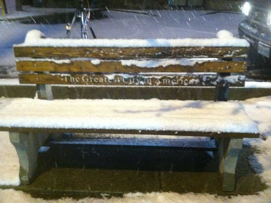 A trained weather spotter reports 4.5 inches of snow in the Manchester area.